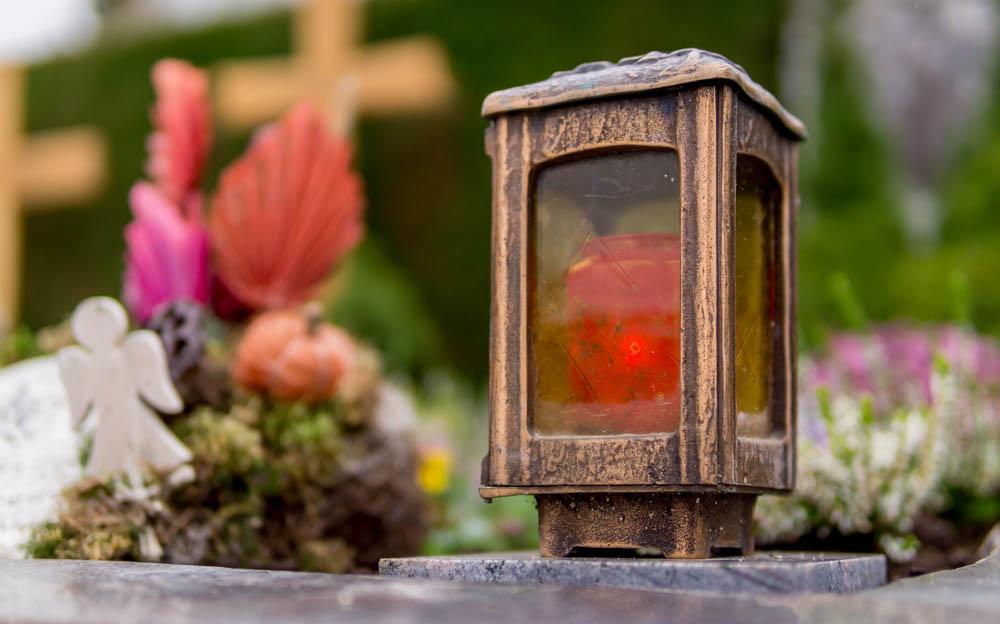 Grablicht vom Friedhof in Bretten