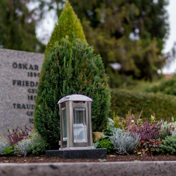 Grabpflege als Urlaubsvertretung oder in Krankheitsfällen.